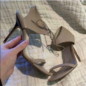 Burberry beige leather heels